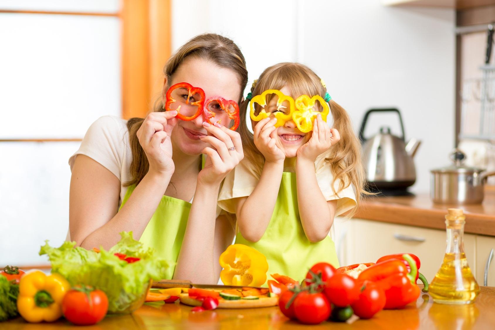 bambini mangiare bene