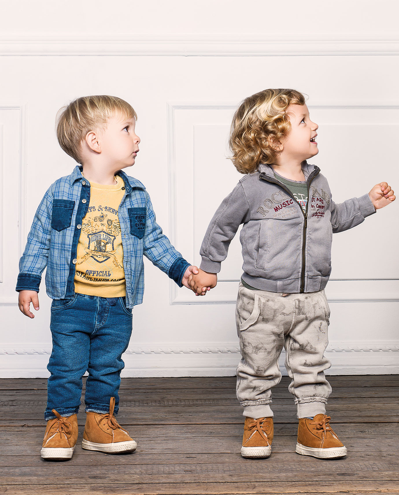 Abbigliamento bambini online anni Dal lavoriamo con passione per offrirvi la migliore esperienza di acquisto online. Ogni giorno selezioniamo per voi i migliori marchi di abbigliamento per neonati e bambini per darvi la possibilità di scegliere i migliori prodotti sul mercato.