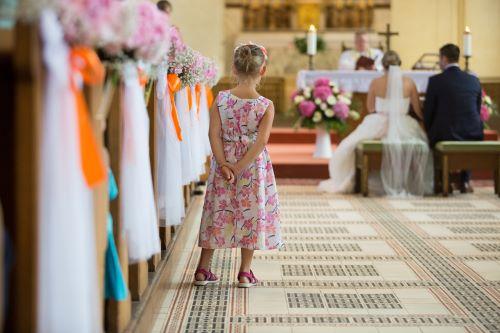 Vestiti Eleganti Usati.Abiti Da Cerimonia Venderli E Una Scelta Eco Chic Baby Bazar