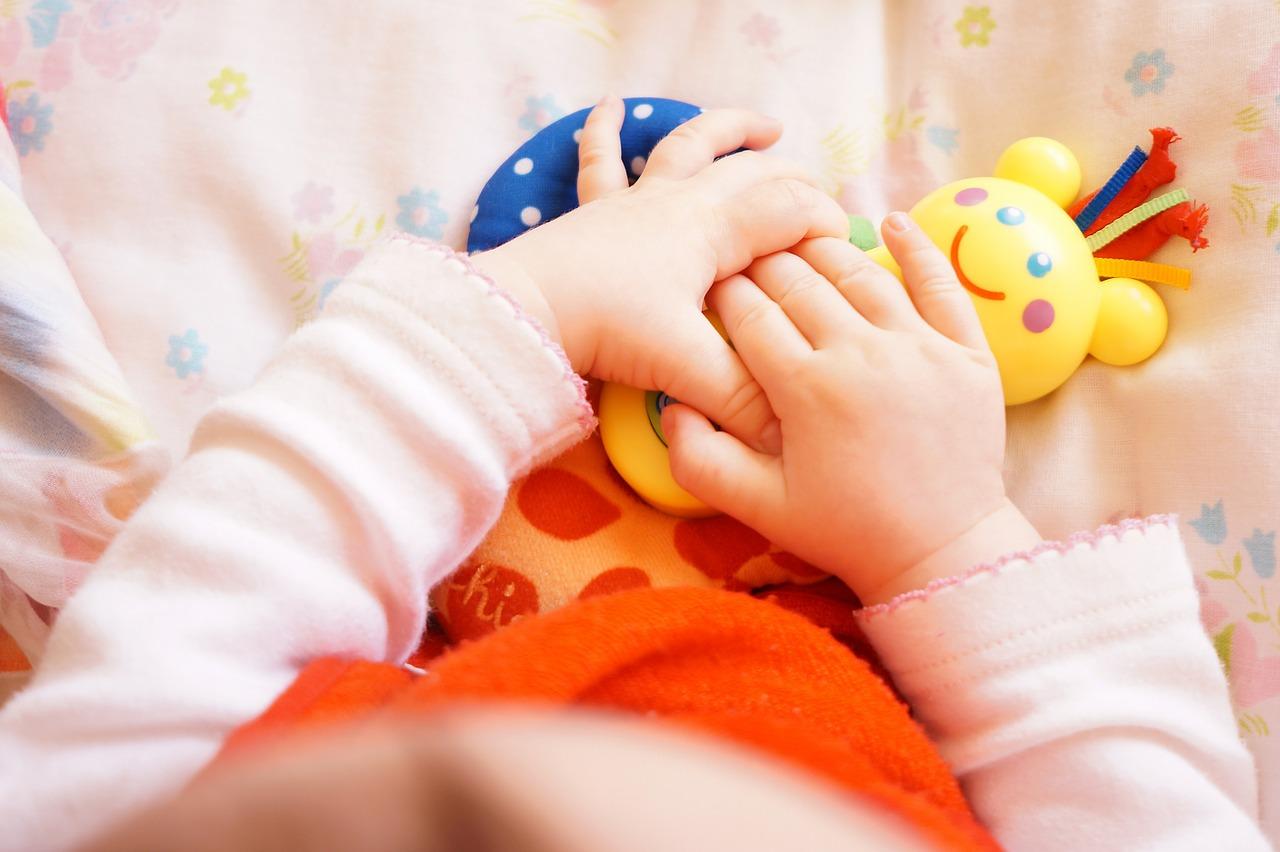 vendere giochi neonati